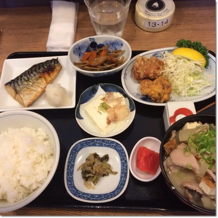 福岡天神のわっぱ定食堂