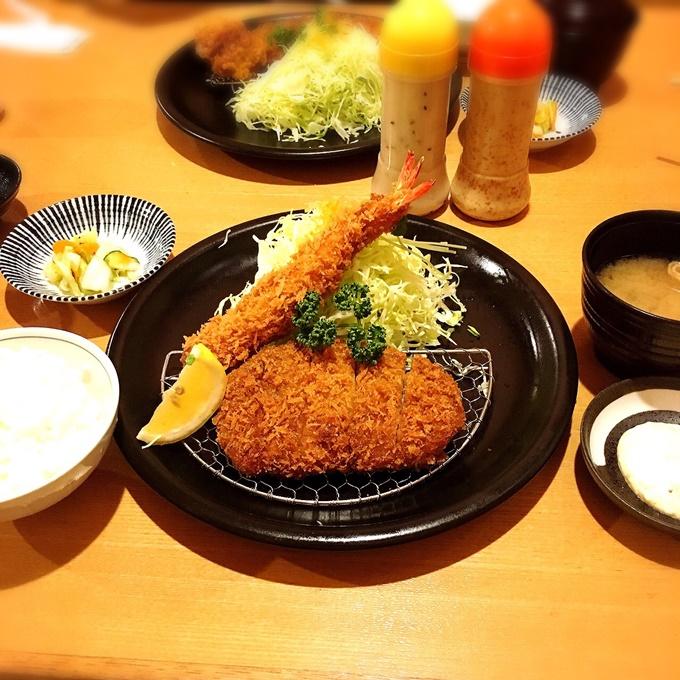 ロースかつ小(120g)+海老フライ定食