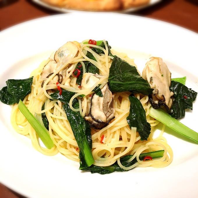 牡蠣と小松菜のペペロンチーノ